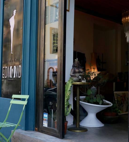 Galerie Monsieur Edmond art et design du 20è à Nice entree
