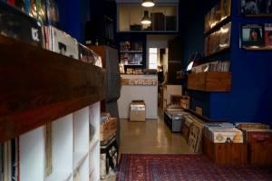 Evrslt disquaire vinyles à Nice interieur