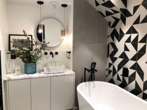 L'Abeille Boutique-appartements à Nice salle de bain