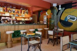 Perlone Bar et restaurant à Nice avec cuisine Nikkei comptoir