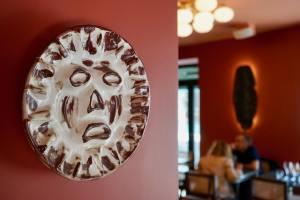 Perlone Bar et restaurant à Nice avec cuisine Nikkei ceramique