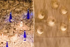 Rosé, la bar à vins spécialisé dans les vins rosés à Nice (déco)