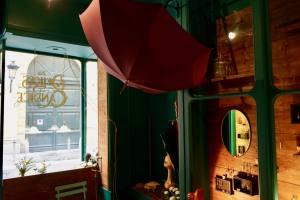 Les délices de Candice, créatrice bijoux vintage à Nice (parapluies Bestagno)