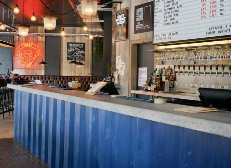 Brewdog, pub de bières artisanales à Nice (comptoir)