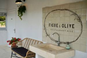 Figue et Olive, restaurant with a view in Nice (sink)