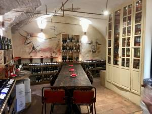 La Cave du Cours, cellar and wine bar in old Nice (interior)