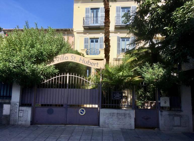 Villa Saint Hubert, petit hôtel de charme à Nice (facade)