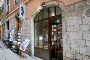 La Briqueterie, book shop, Nice (exterior)