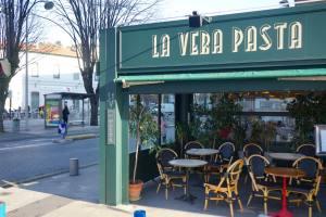 Le Virginie, brasserie in Nice (exterior)