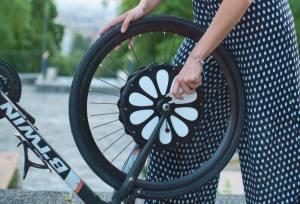 Teebike, roue vélo avant électrique (montage)