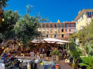 Bocca Nissa, bar à cocktails, restaurant et rooftop sur le Cours Saleya à Nice