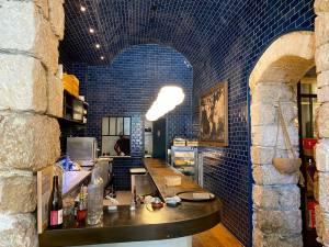 Casa Becchio, bar et restaurant sur la coulée verte à Nice (comptoir cuisine)