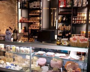 Casa Becchio, bar et restaurant sur la coulée verte à Nice (épicerie)