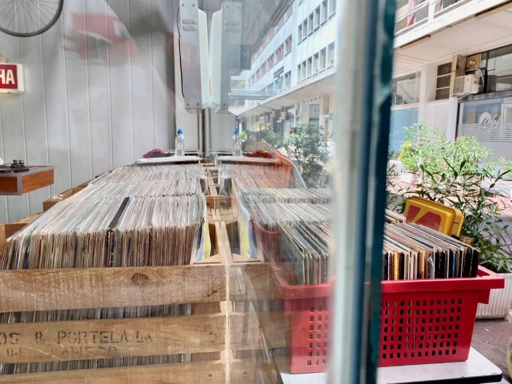 Kosimi, Disquaire et friperie à Nice (vinyles)