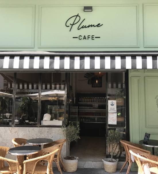 Plume café, restaurant et traiteur dans le quartier de la Californie à Nice (Devanture)