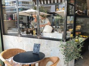 Plume cafe, Café and restaurant in Nice (exterior)