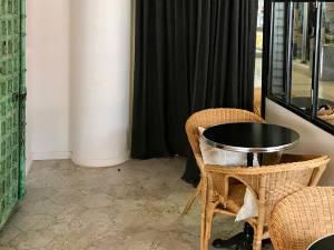 Plume café, restaurant et traiteur dans le quartier de la Californie à Nice (intérieur)