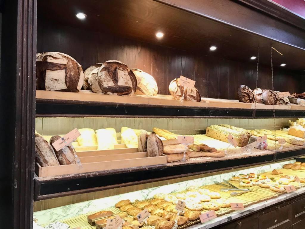 Maison Jean Marc Bordonnat, bread, Love spots, Nice - bread display