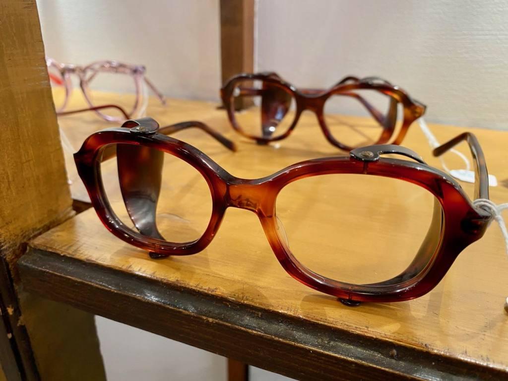 Harrison, opticien et lunetier vintage à Nice (montures anciennes)