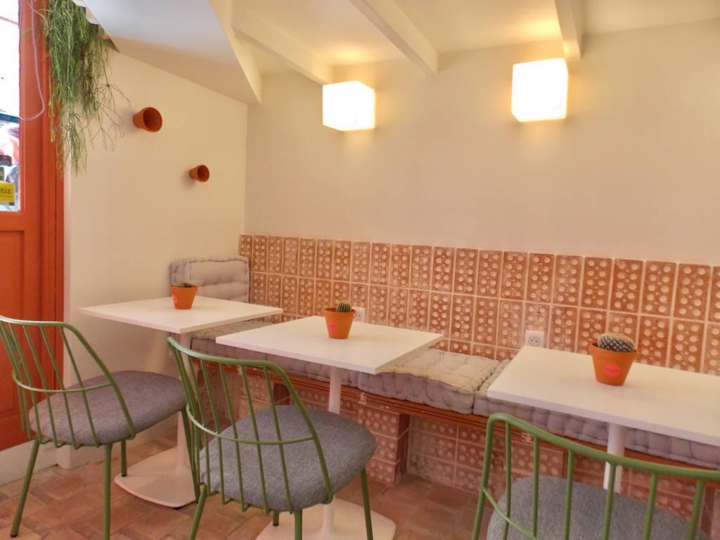 Les Balancelles, restaurant, love spots, Nice (the interior)