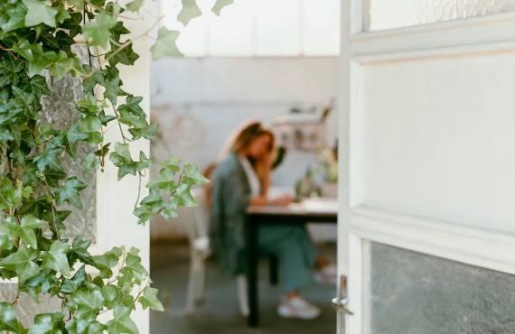 Maison Louisette, décoration végétale sur la Côte d'Azur (bureau)