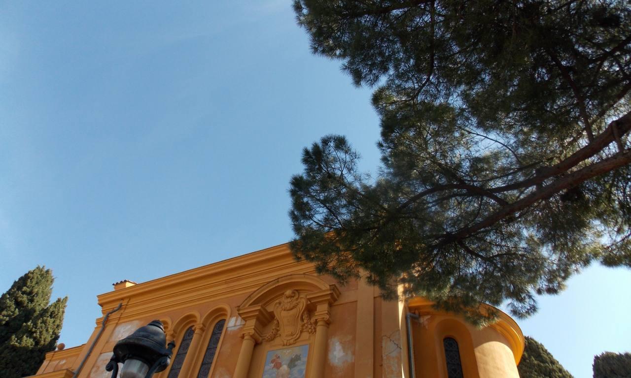 Colline du château de Nice (orange)