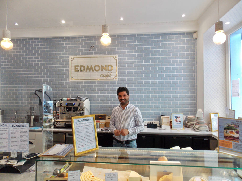 Edmond, Cozy eats & coffee à Nice (Jean)
