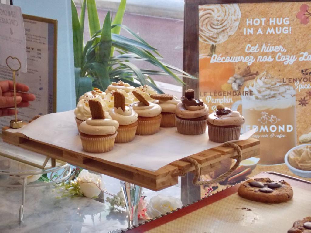 Edmond, Cozy eats & coffee à Nice (cupcakes)