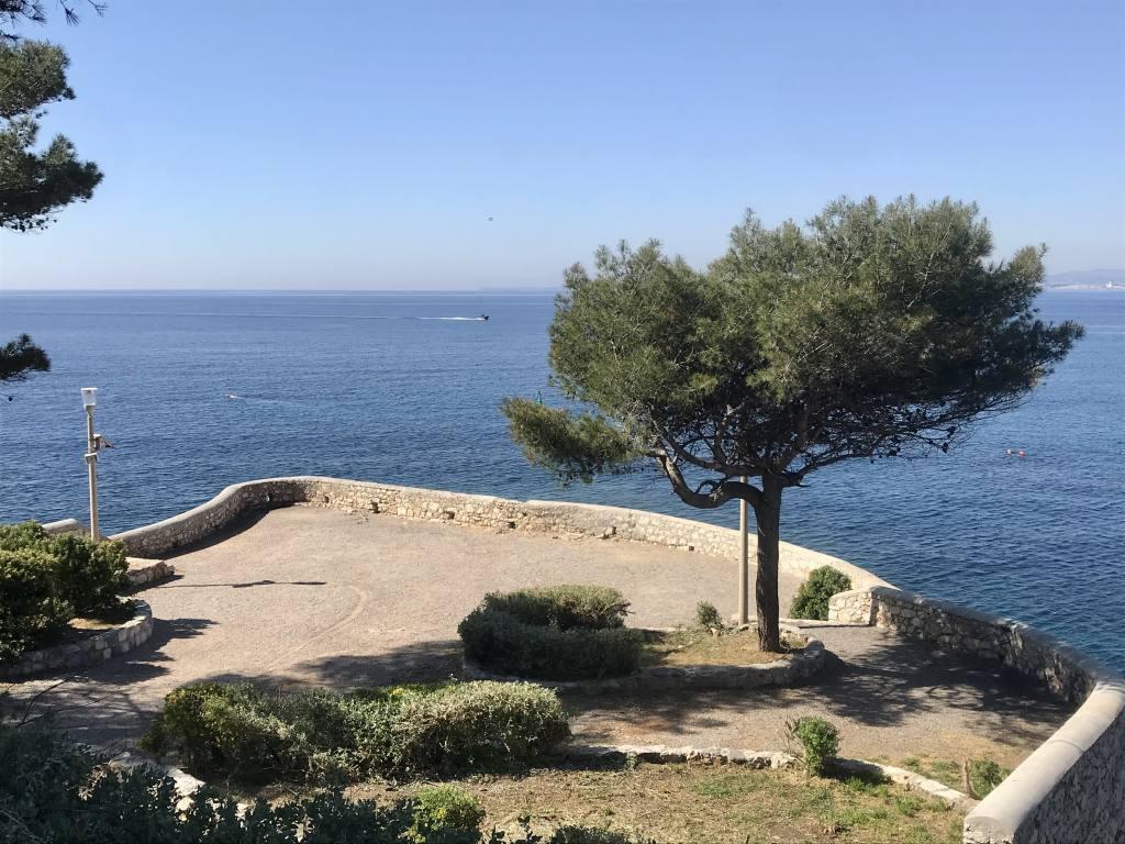 Sentier du Littoral à Nice (port)