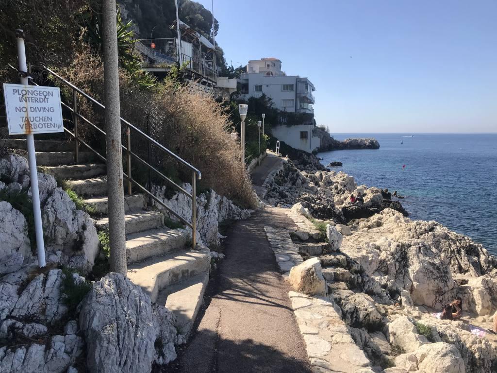 Sentier du Littoral à Nice (escaliers)