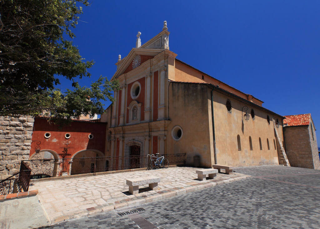 Marché provençal Antibes (église)