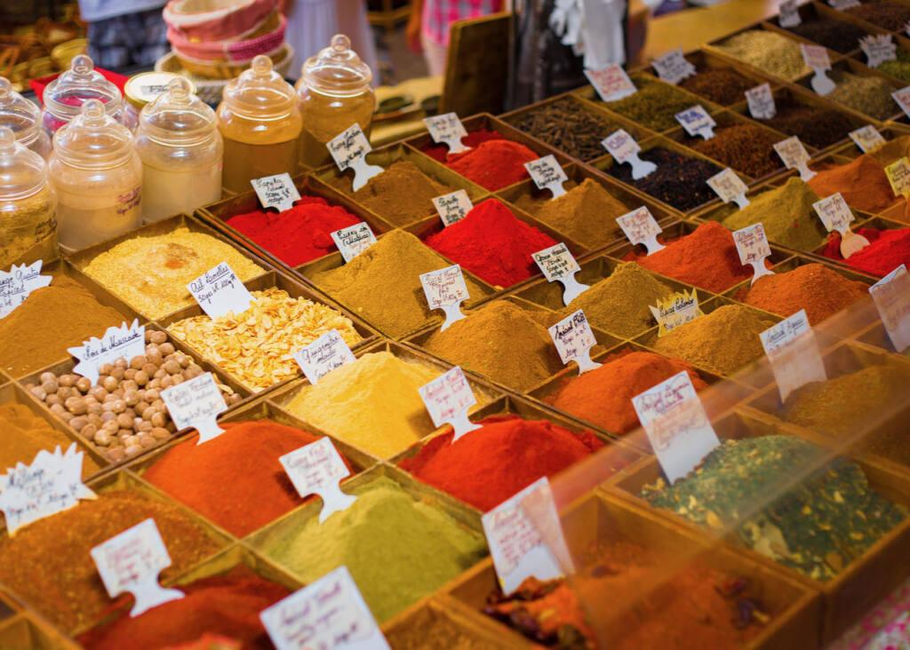 Marché provençal Antibes (épices)