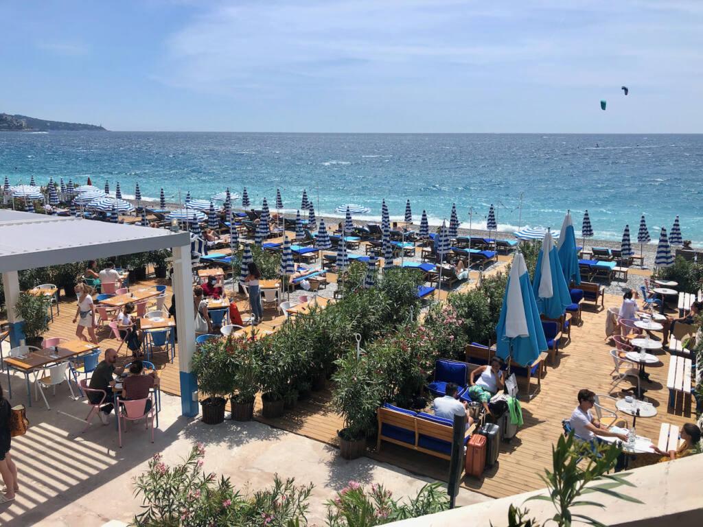 Hôtel amour, beach club Nice (parasols)