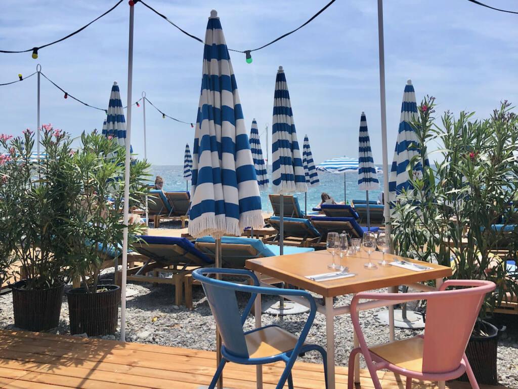 Hôtel amour, beach club Nice (table)