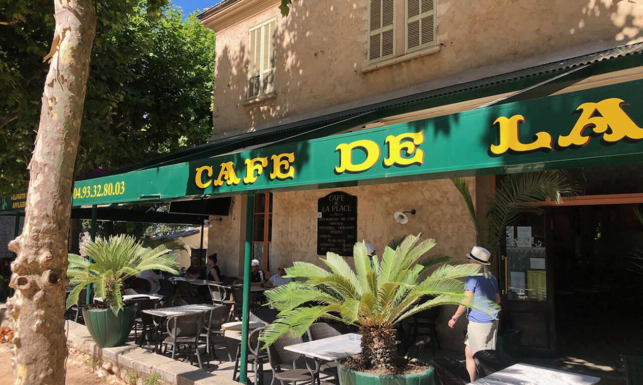 Saint-Paul-de-Vence, village d'artistes (café)
