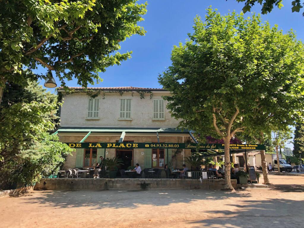 Saint Paul de Vence, village of artists (Café de la place)