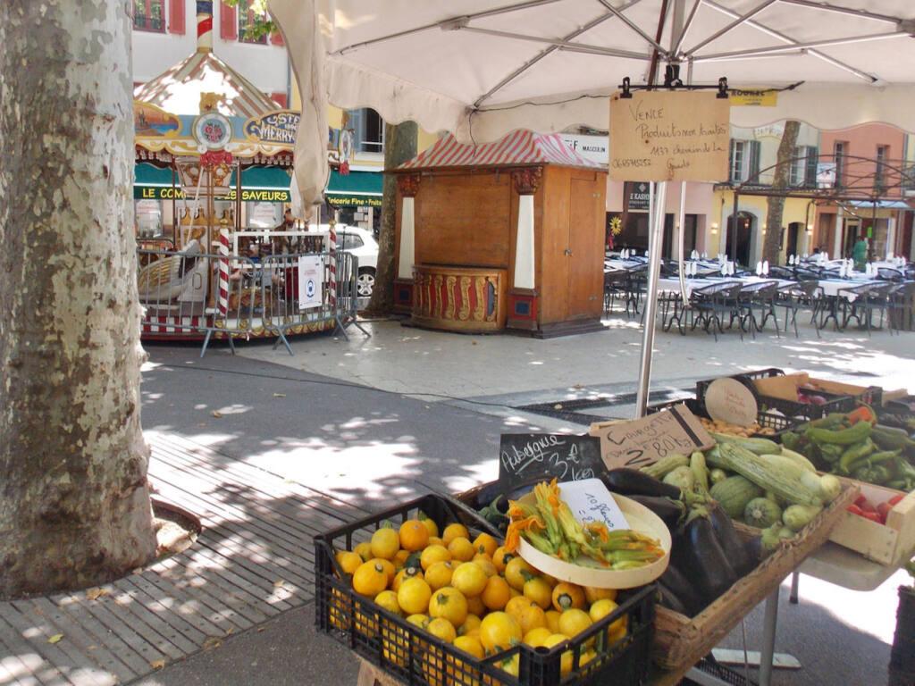 Vence, village historique (marché)
