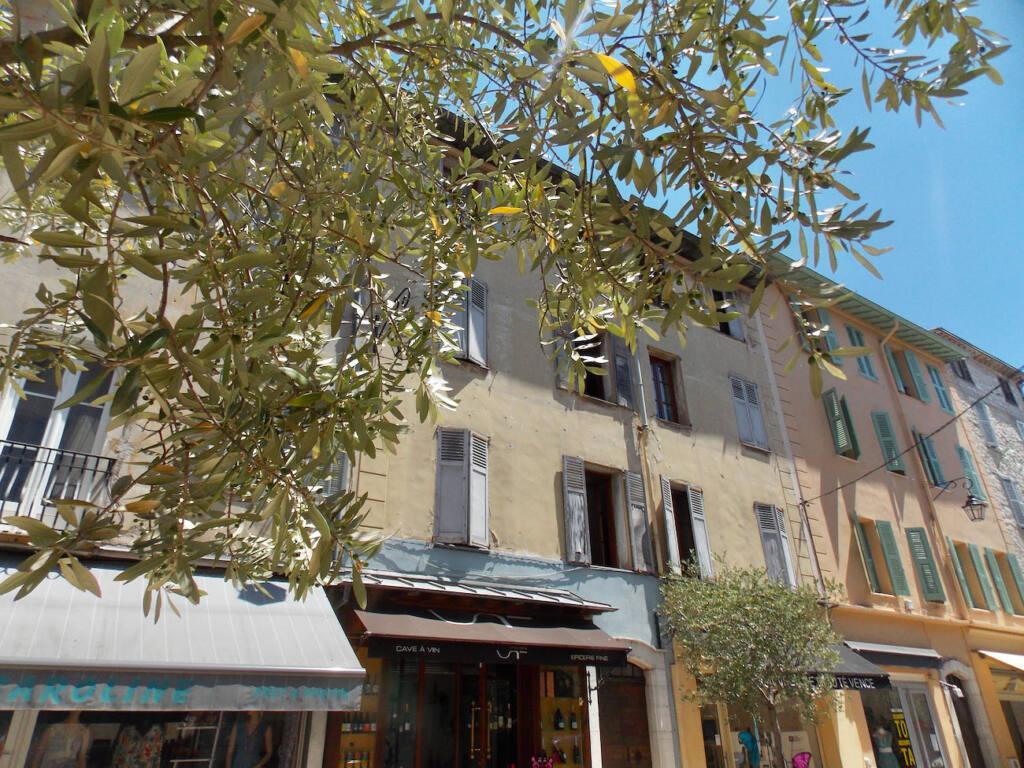 Vence, village historique (maisons)