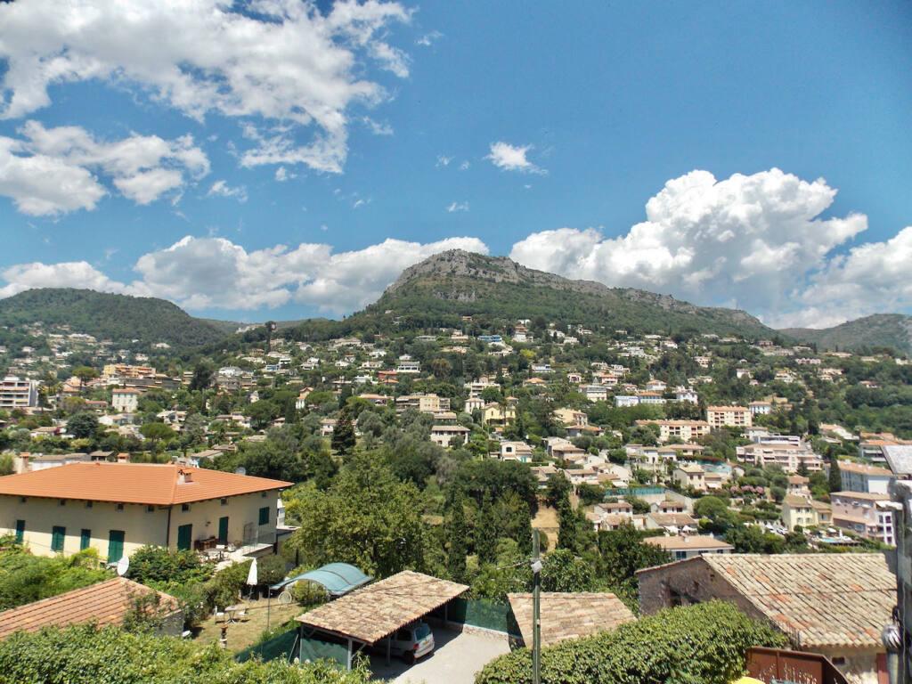 Vence, village historique (panorama)