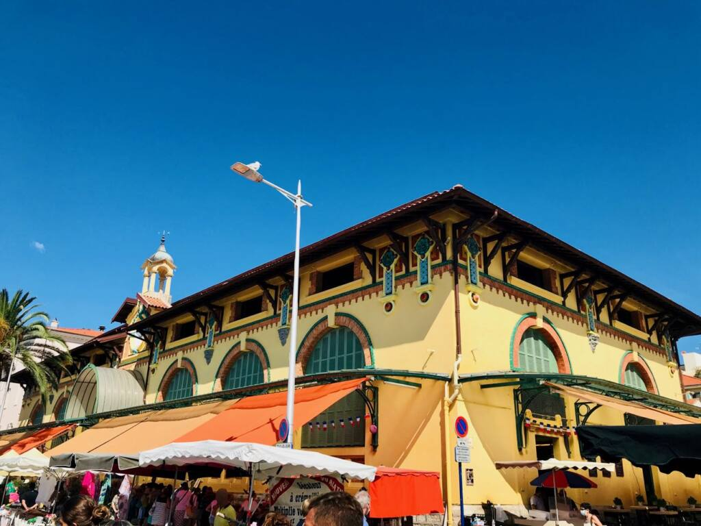 Halles de Menton: covered market with fresh produce and local artisans (building)