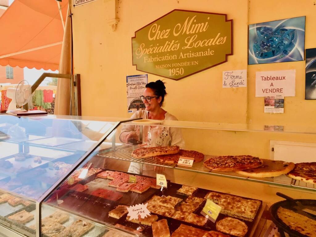Halles de Menton: marché couvert de produits frais et d'artisans (spécialités locales)