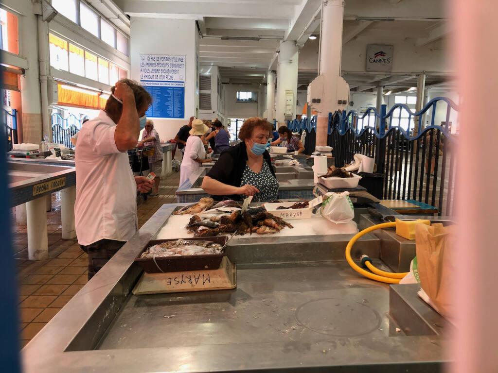 Marché Forville à Cannes poissons