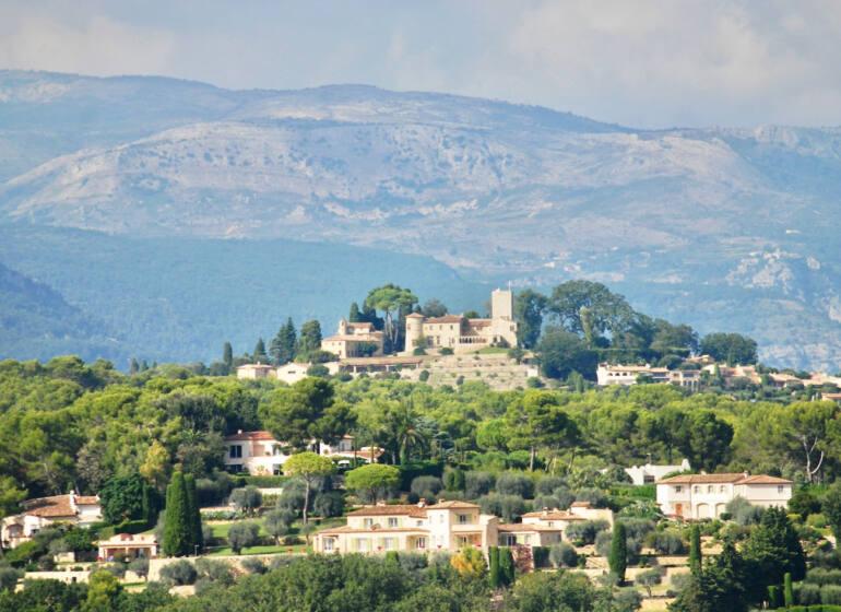 Mougins, village médiéval (panorama)
