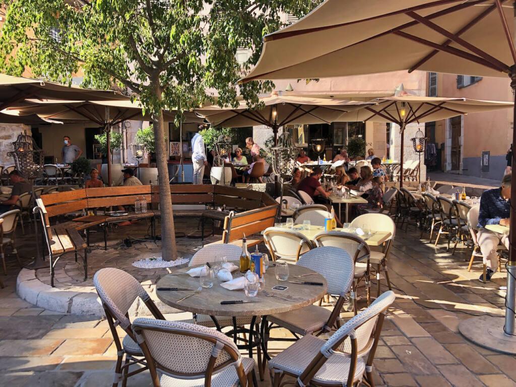 Valbonne village provençal (restaurants)