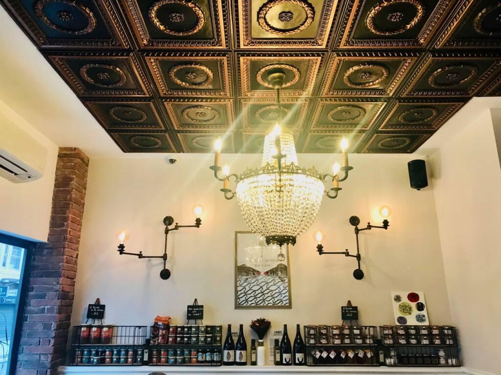 Le Clin d'Œil : restaurant, bar et cave à vins à Nice (plafond)