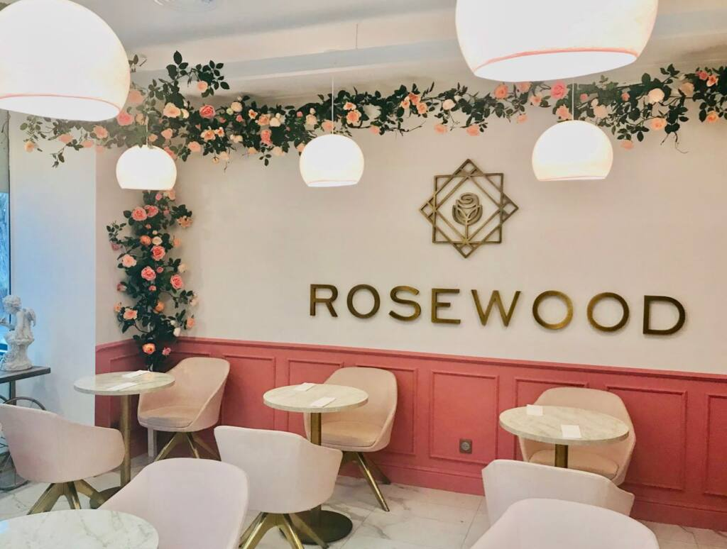 Rosewood, restaurant and tearooms in Nice (interior)