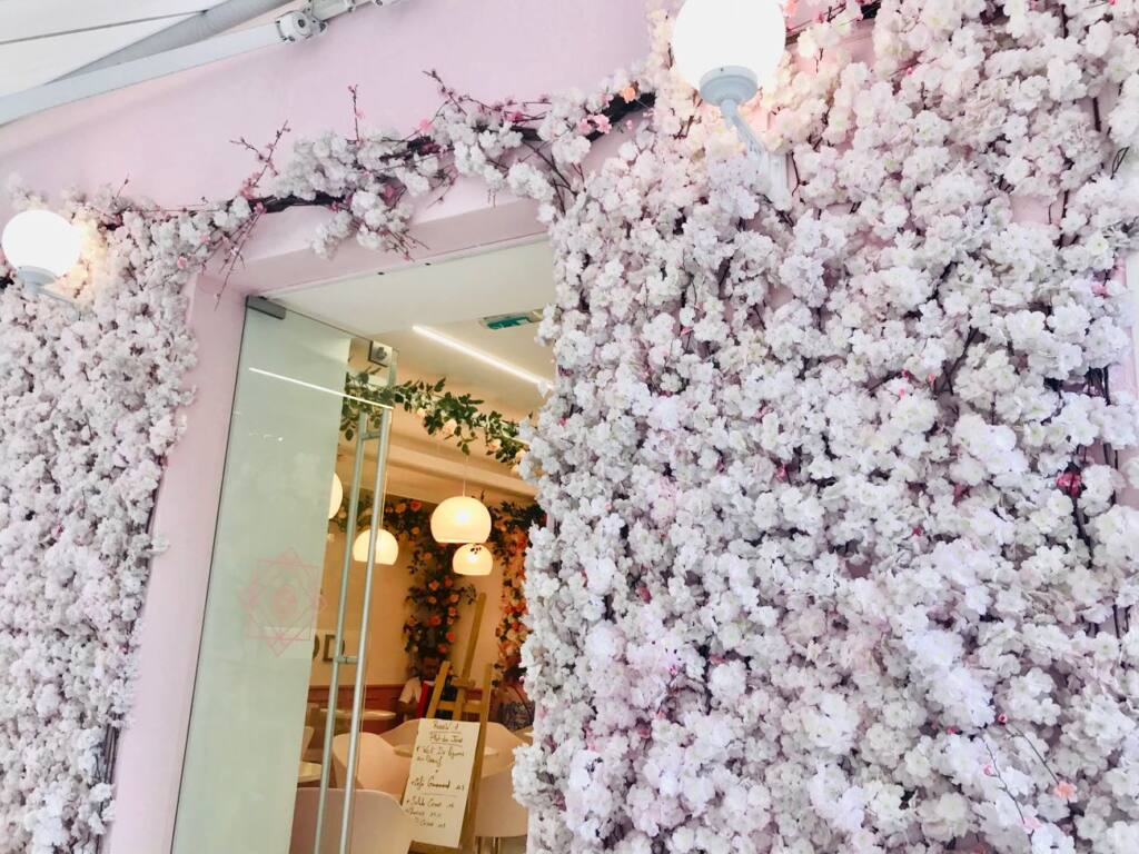 Rosewood, restaurant and tearooms in Nice (decor)