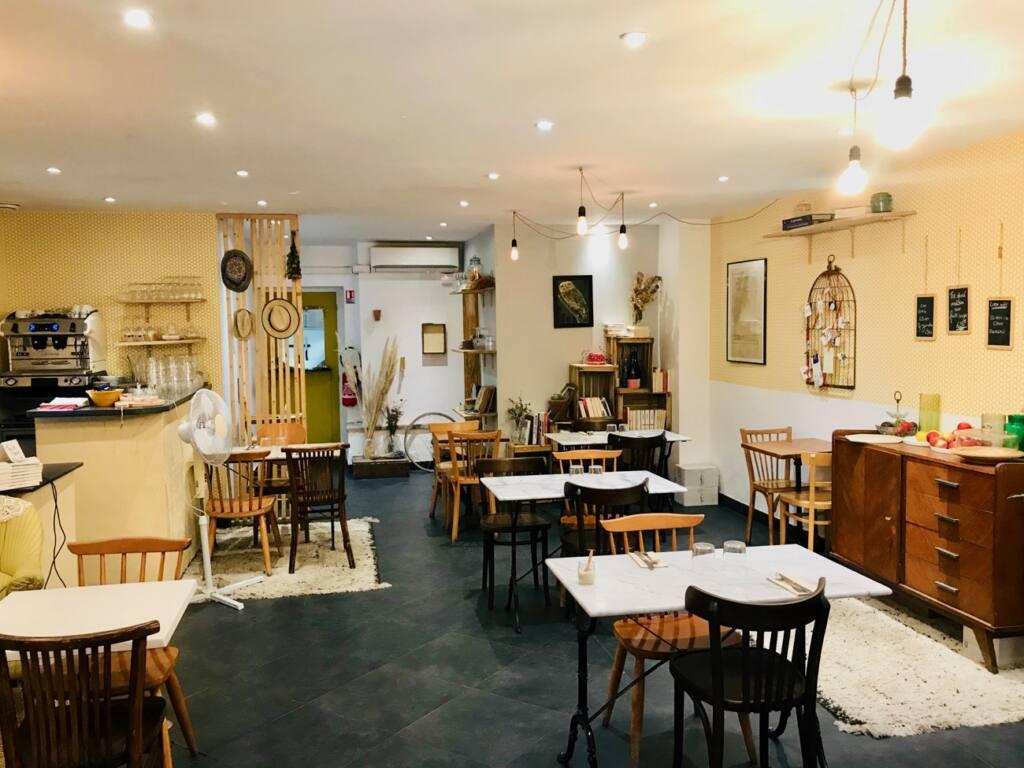 La Belle Saison, vegetarian restaurant, Nice City Guide Love Spots (interior)