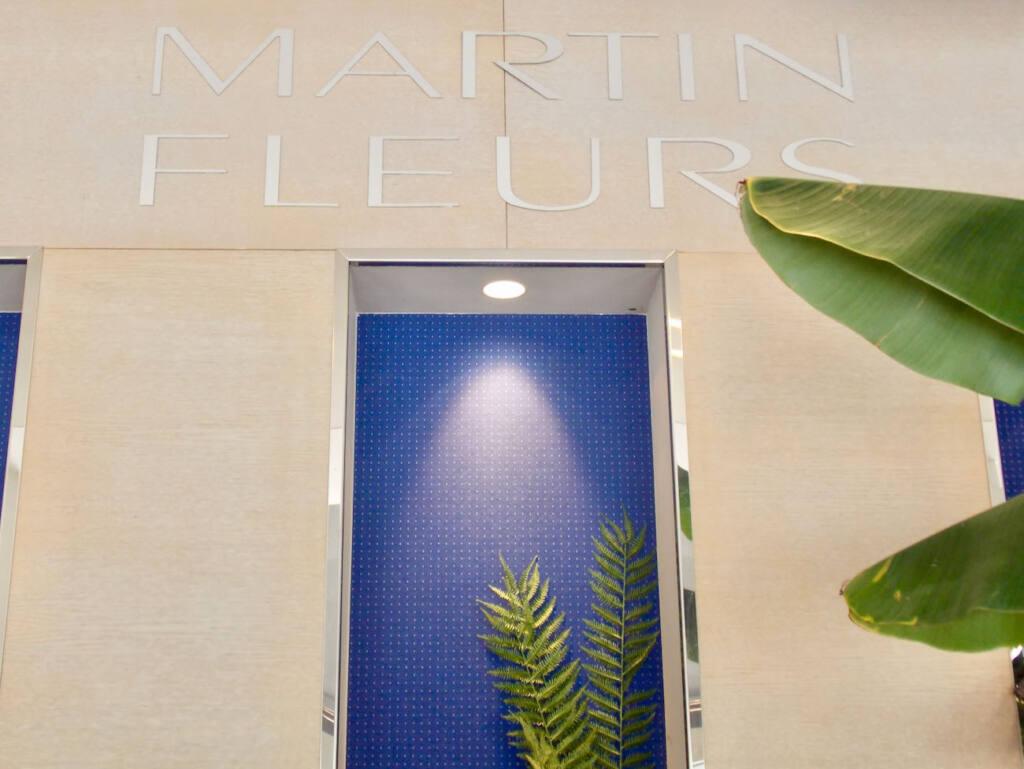 Martin Fleurs, florist in Nice (electric blue)
