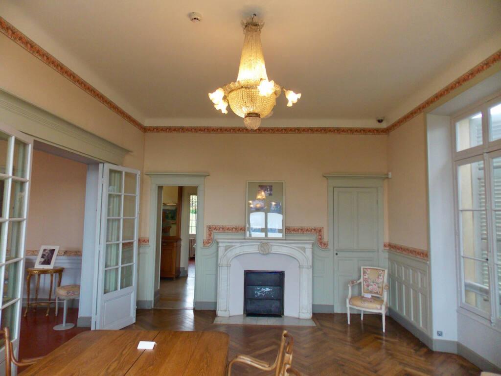 Musée Renoir, maison du peintre à Cagnes-sur-Mer (cheminée)